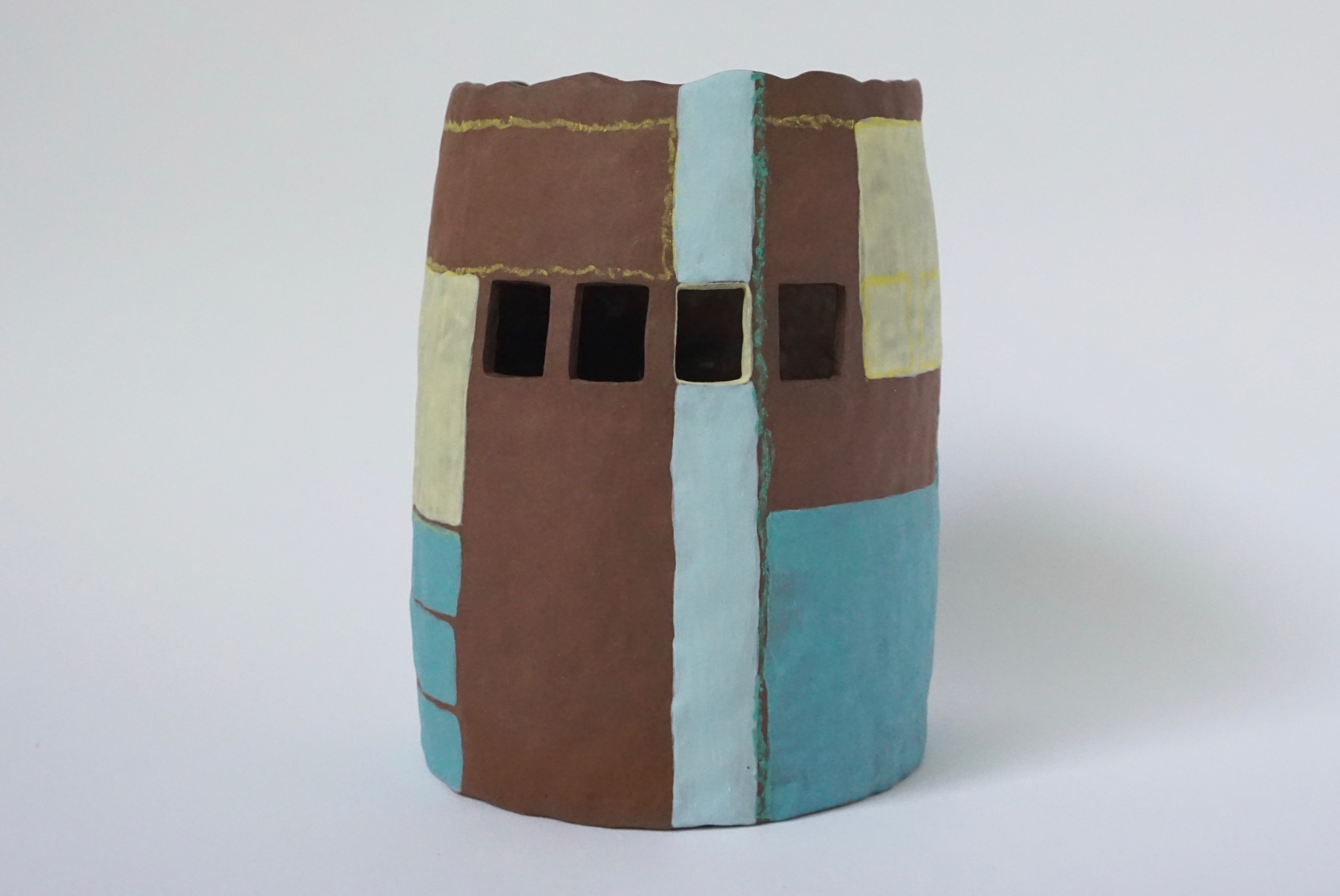 Photograph of ceramic work by Holly Macdonald