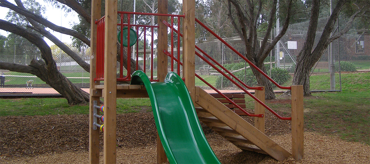 Park Orchards Reserve playground