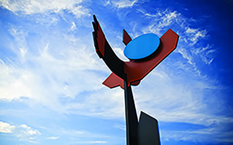 Inge King's iconic Sentinel located at the Doncaster Road exit of the Eastern Freeway